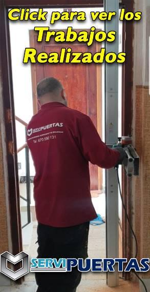 Trabajos de instalación de puertas de seguridad